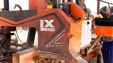 La scierie double rail LX450 de Wood-Mizer transforme une scierie en Afrique du Sud