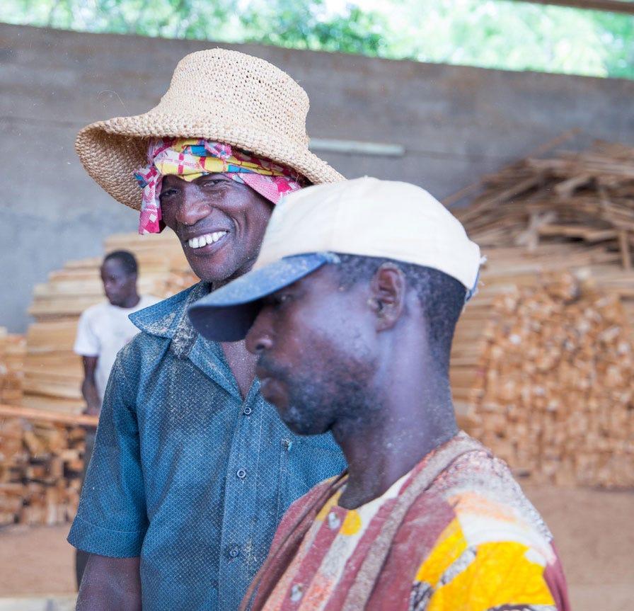 Sawmillers in Ivory Coast